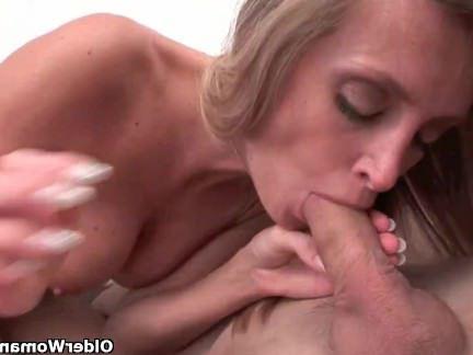 Милфа порно Мама любит Анальный секс и эякуляция секс видео