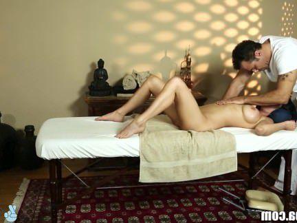 Милфа порно TrickySpa Вероника Avluv получает мокрый для массажист секс видео