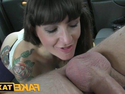 Милфа порно FakeTaxi брюнетка делает Анальный вниз в The мячи секс видео