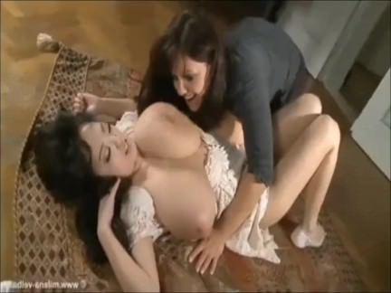 Милфа порно Лесби Любят Сосать Огромные Сиськи 6 секс видео