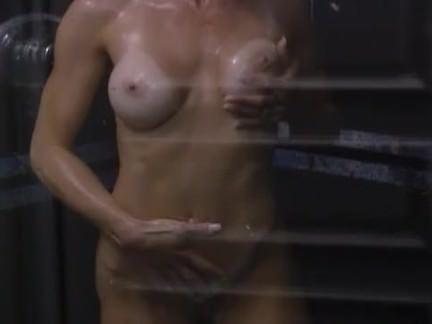 Милфа порно Большая жопа вся в пене в душе секс видео