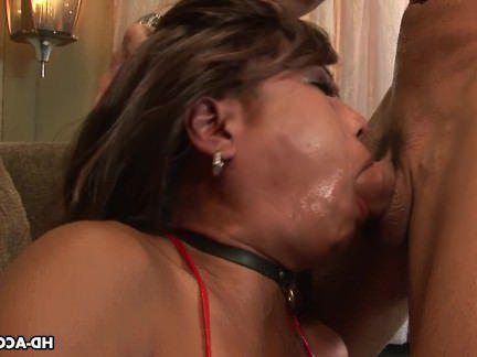 Милфа порно Распутная Азиатская милочка сосет огромный член с секс видео