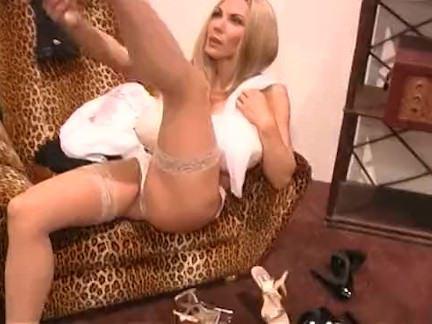 Милфа порно Элизабет Старр одета для секса секс видео