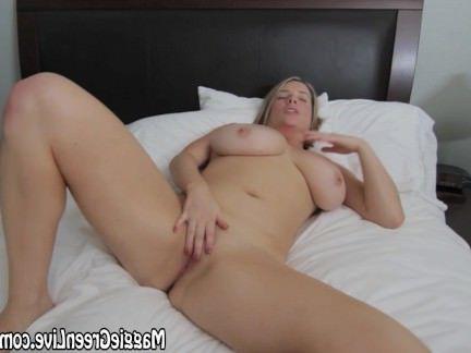 Милфа порно Все Природные Мэгги Грин Играет С Киской! секс видео