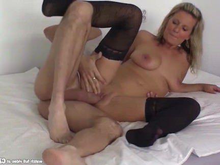 Милфа порно Czasting-сексуальная милфа трахается с огромным членом секс видео