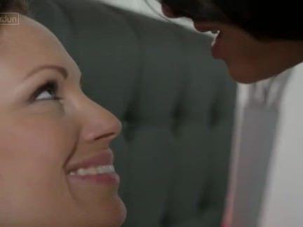 Милфа порно Озорной Лесби трахает любовника с цуккини секс видео