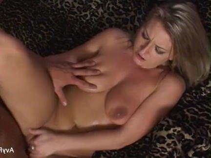 Милфа порно Грудастая милф авы Скотт предлагает ему потрахаться секс видео