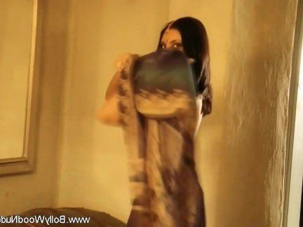 Милфа порно Экзотическая Танцовщица Индийского Облака секс видео