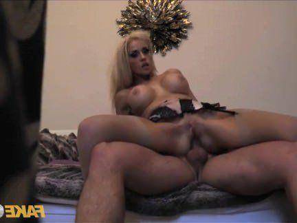 Милфа порно Подделка полицейский плохой полицейский получает после часов Анальный секс видео