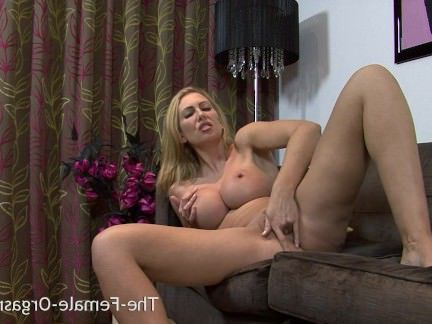Милфа порно Случайный разрушенный оргазм держит МИЛФ воздух секс видео