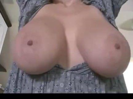 Милфа порно Молочные Сиськи секс видео
