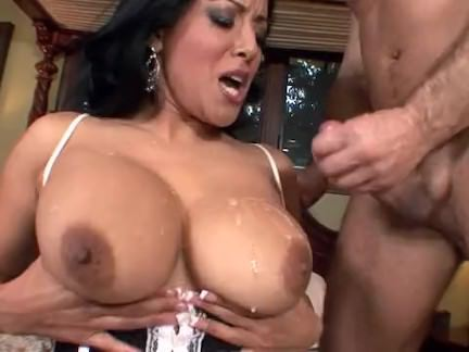 Милфа порно Грудастая милфа трахал в чулках Киара секс видео