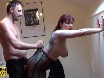 Милфа порно Грудастая британский рыжеволосый преобладают с roughsex секс видео