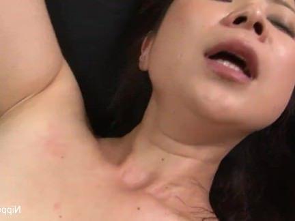 Милфа порно Мамаша получает трахал в то время как ее друг ленты это секс видео