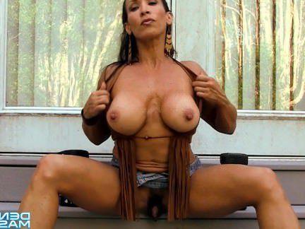 Милфа порно Дениз Масино — хиппи телок рука и киска насос-Женский Культурист секс видео