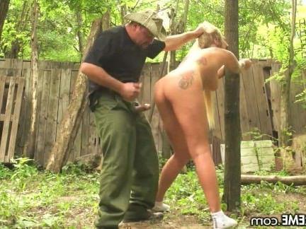 Милфа порно Русский мамаша граница, с кляпом во рту и трахал секс видео