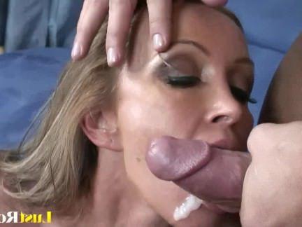 Милфа порно Старая мама Кристина Росс получает проникли и покрыты секс видео