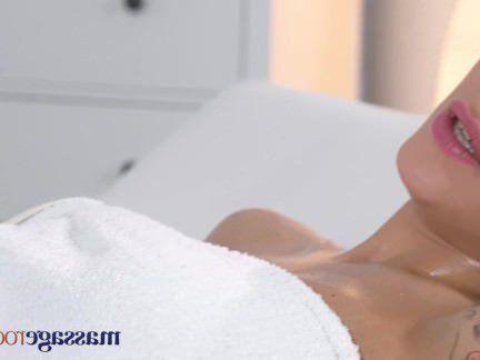 Милфа порно Массаж номера молодые Большие сиськи русский подросток принимает большой член в ее маленькое отверстие секс видео
