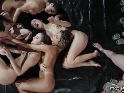 Милфа порно Girlsway Райли Риди  с интенсивной Лесбийской оргии секс видео