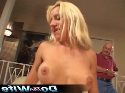 Милфа порно Блондинка домохозяйка трахается порно стад секс видео