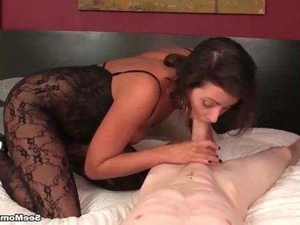 Милфа порно Мамаша член сосание секс видео