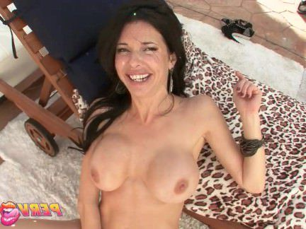 Милфа порно PervCity Майк Адриано трахает своих друзей мама секс видео