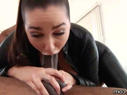 Милфа порно DarkX Карли Грей берет на массивные большой член секс видео