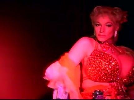 Милфа порно Стриптиз, как в старые добрые времена секс видео