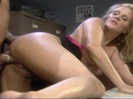 Милфа порно Блондинка сношается правоохранительные хер секс видео