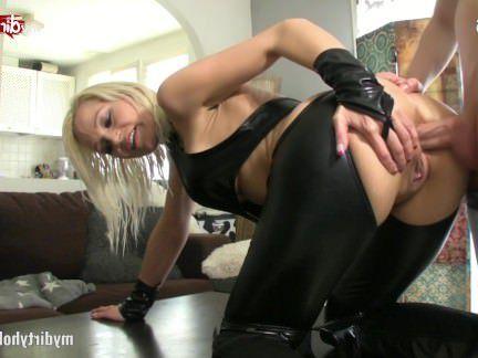 Милфа порно Мое грязное хобби-Сэнди-доминирующая мамаша секс видео