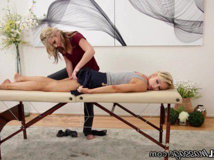 Милфа порно AllGirlMassage Неохотно Блондинка Получает Осел Лизнул секс видео