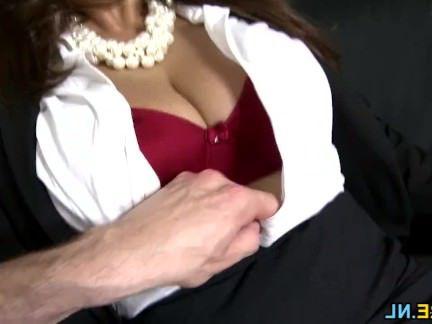 Милфа порно Испанский роговой милфа трахается в стиле от 1-го лица секс видео