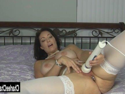 Милфа порно Странный большой синицы милфа Звездочная погони добавляет немного шика в ее задницу секс видео