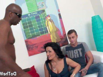 Милфа порно Зрелая жена с большой черный член сперма в жопе секс видео