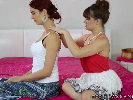 Милфа порно Nurumassage дочь демонстрирует Нуру для мачеха секс видео