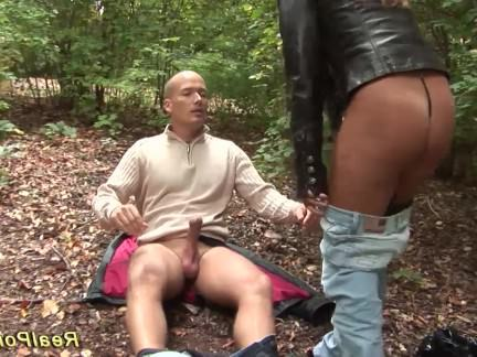 Милфа порно busty милф picked up for Outdoor Sex секс видео