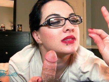 Милфа порно Всезнайка очки Остекление от 1-го лица милфа Минет на заказ видео секс видео
