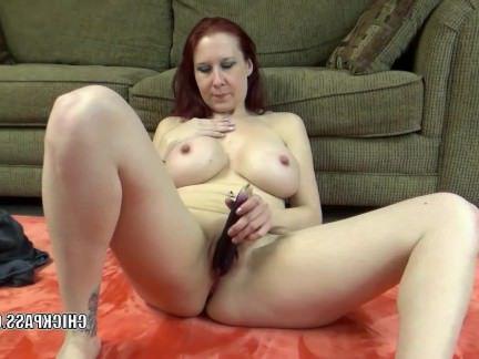Милфа порно Lia shayde Fucks her mature pussy with veggies секс видео