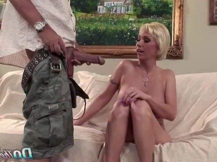 Милфа порно Блондинка жена МИЛФ большой член Анальный сперма в жопе секс видео