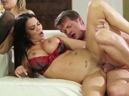 Милфа порно Качели секс секс видео