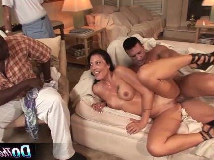 Порно со Зрелыми Белый жена берет белый член в черной мужа секс видео бесплатно