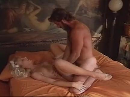 Милфа порно Горячая чертову невесту в спальне секс видео