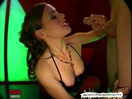 Милфа порно Магдалена конечная машина извлечения спермы — немецкий Goo девушки секс видео