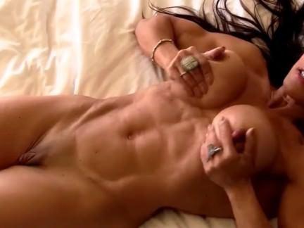 Милфа порно сексуальная Пума с большой клитор мастурбировать секс видео