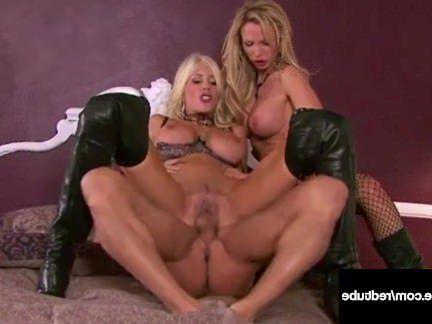 Милфа порно Мамочки с массивными дойками охают трахаясь с большим хуем парня секс видео