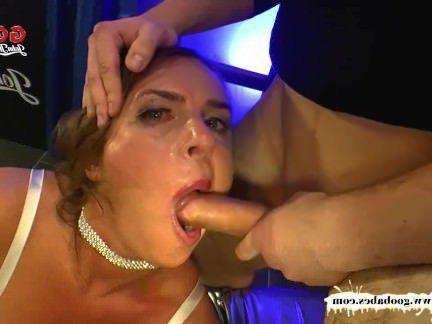 Милфа порно Супер грудастая милфа сексуальная Суси получает ее большие сиськи со сливками — ггг секс видео