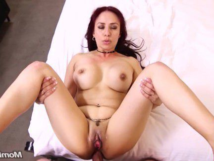 Милфа порно Сексуальный Зрелый Латина Мамаша Анальный Трахает Молодой хуй секс видео