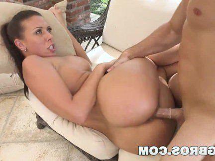 Милфа порно Сисястая милфа помылась перед бесподобной еблей с мужиком секс видео
