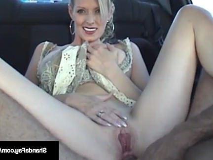 Милфа порно Канадская милфа занимается анальным сексом в машине! секс видео