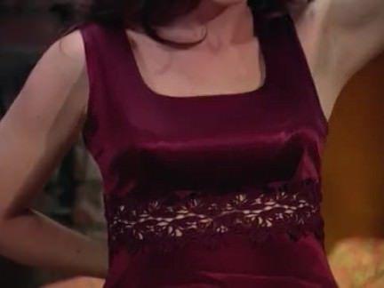 Милфа порно Блондинка и черная волосатая мастурбирует секс видео